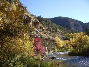 Fall_on_the_Strawberry_River_in_Utah_thumb.jpg